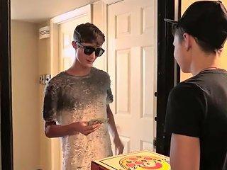 Pizza Boy Earns His Tip Austin Lock Zack Love Boycrush Upornia Com